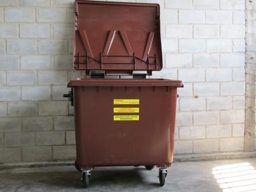 Container 1000 litros tampado