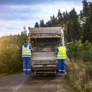 Locação caminhão compactador de lixo